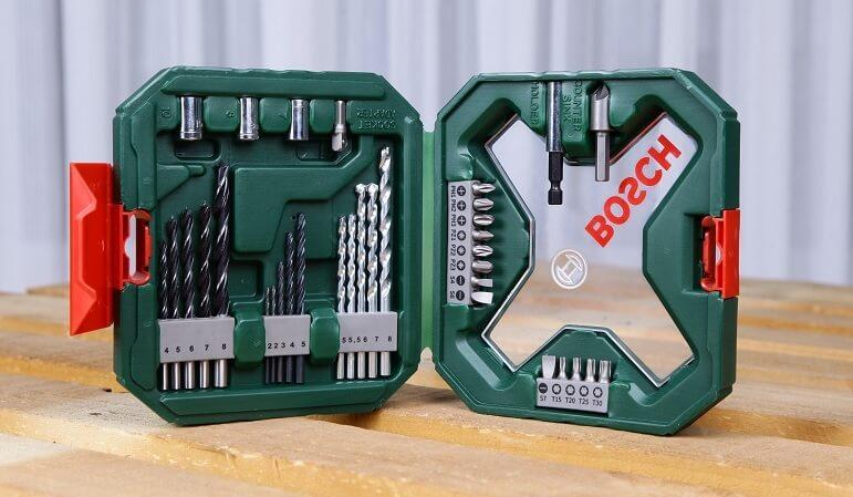 Bộ mũi khoan và vặn vít giá rẻ của Bosch