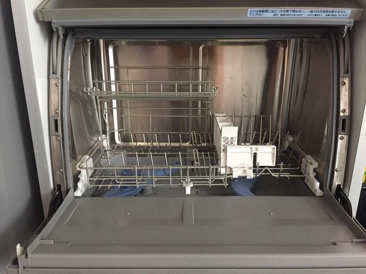Máy rửa bát hàng nội địa Nhật có kích thước nhỏ, gọn