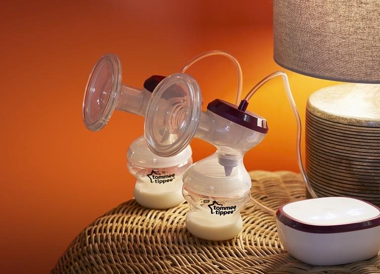 Máy hút sữa điện đôi Tommee Tippee có 5 cấp độ mát-xa và 9 cấp độ hút
