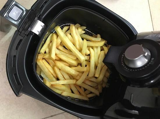 Kết quả chiên khoai tây rất vàng, chín đều với HD9220