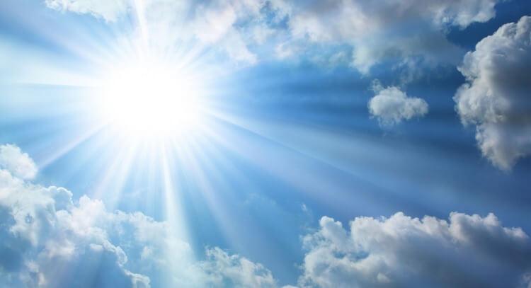 Trong ánh nắng có các tia cực tím rất có hại cho da