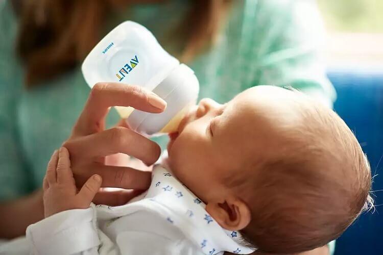 Bình sữa mô phỏng tự nhiên hiệu Philips Avent